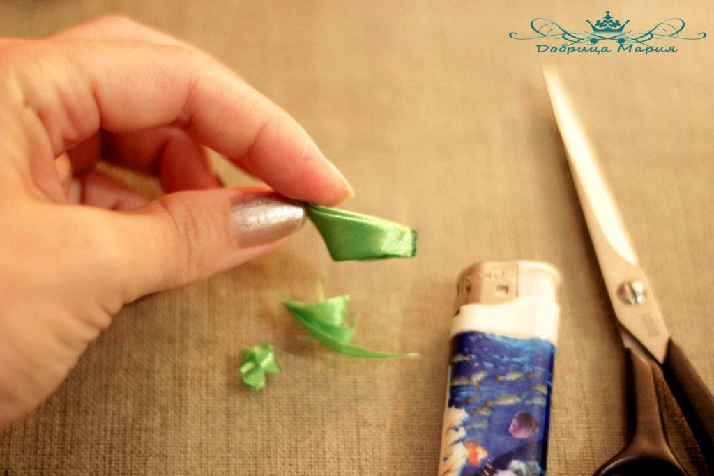12 пошаговый мастер класс по созданию канзаши с острым лепестком
