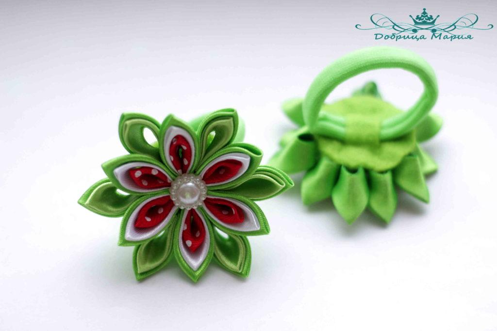 Пошаговый мастер класс по созданию цветка канзаши с острыми лепестками и резинками для волос