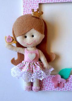 украшение для рамки куколка из фетра