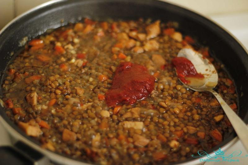 Чечевица тущеная с курицей и овощами11