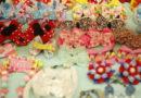 Канзаши бантики и цветы из атласных лент своими руками 100 разных идей для вдохновения. Лепестки канзаши из лент 5 мастер классов.